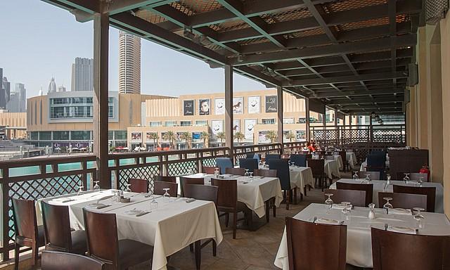 مطعم أوربانو من المطاعم المطله على نافورة دبي