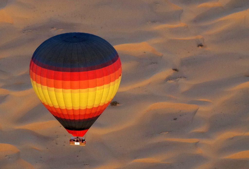 رحلات المنطاد في دبي من اجمل الاماكن السياحية في دبي