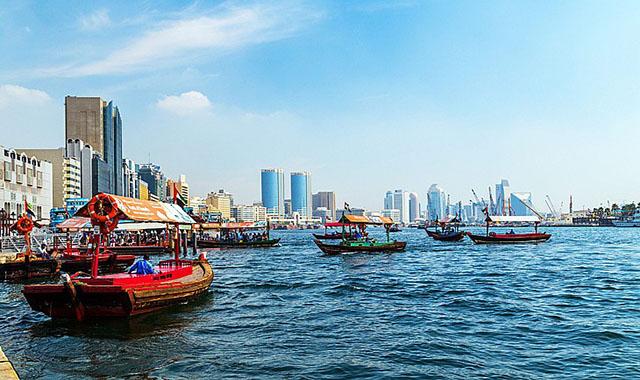 خور دبي من اجمل اماكن السياحة في الامارات دبي