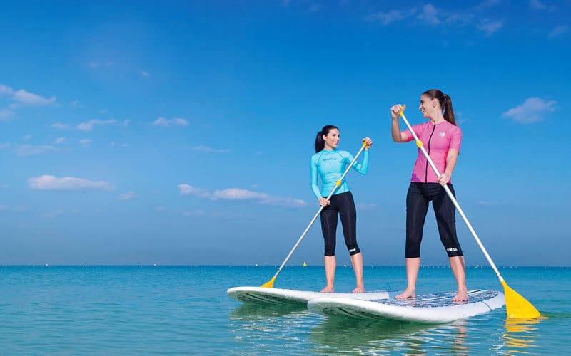 نادي دبي للسيدات يعتبر أكثر شواطئ دبي شهرة