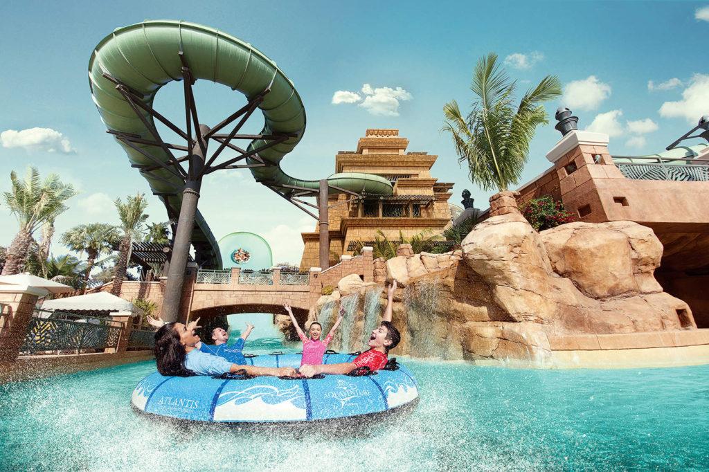 تعتبر حديقة أكوافنتشر المائية ، أكبر الحدائق المائية في دبي