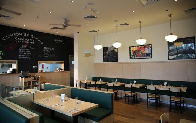 مطعم كلينتون ستريت بيكنج كومبانى من افضل مطاعم فطور في دبي