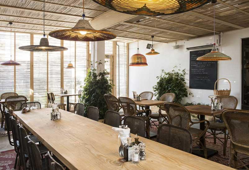 مقهى كونتوار 102 من مطاعم فطور في دبي المتميزة