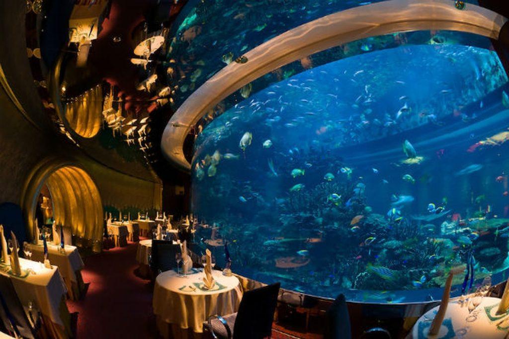 مطعم المحارة من مطاعم دبي المشهورة