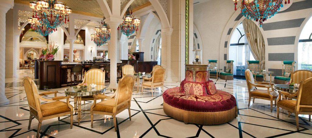 مطعم ردهة السلطان في فندق جميرا زعبيل سراي