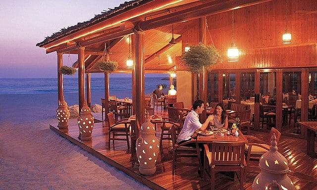مطعم فيلا بيتش في فندق جميرا بيتش