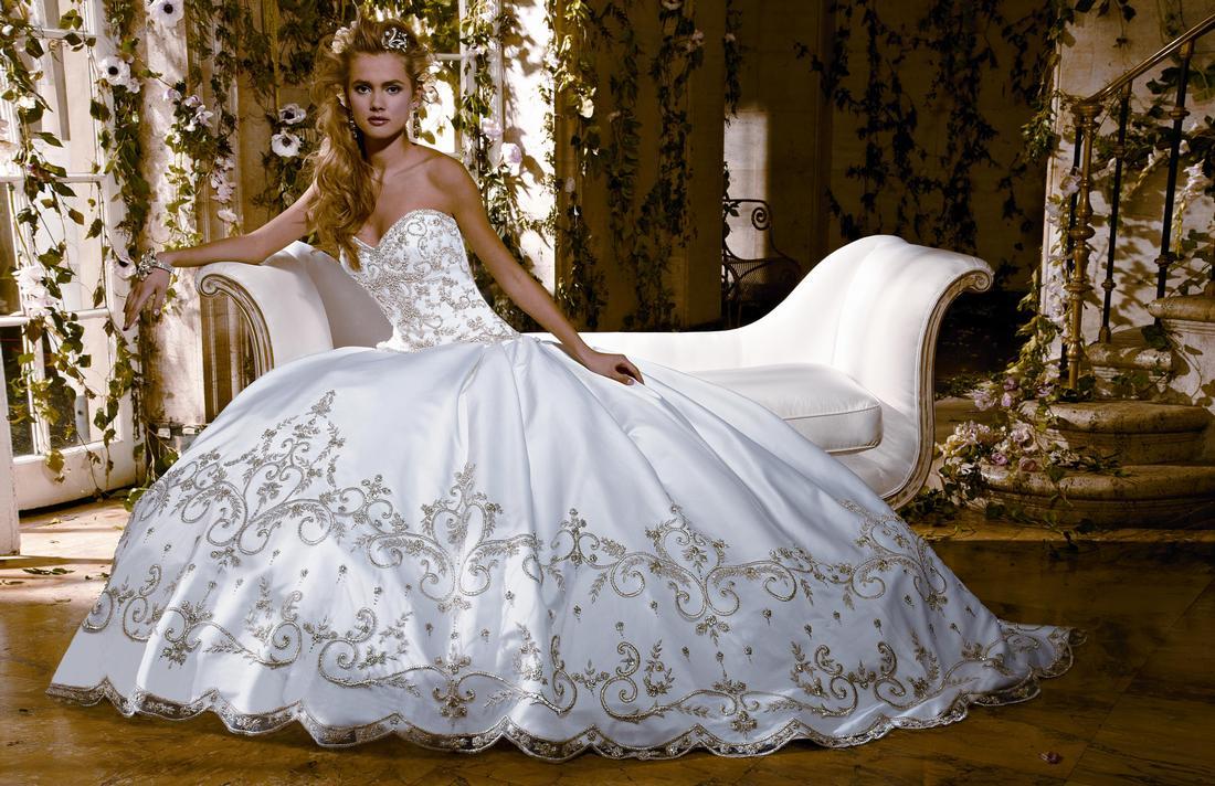 أماكن لفساتين الزفاف والسهرة في دبي
