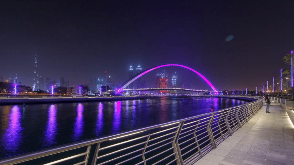 مناطق التنزه والتسوق فى الهواء الطلق فى دبي