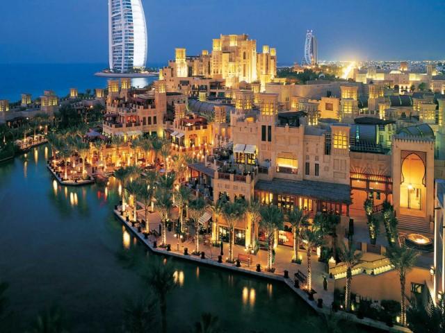 سوق مدينة جميرا من اسواق دبي التراثية