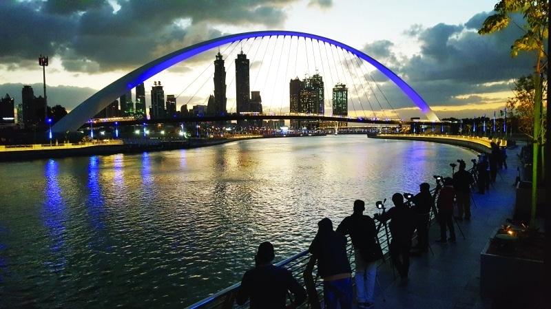 قناة دبي المائية أحد افضل الاماكن السياحية في دبي الامارات